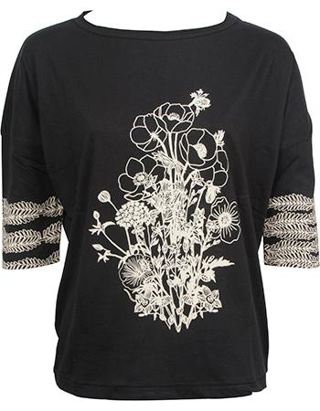 T-shirt Batwing Kaie Flower Black from watMooi